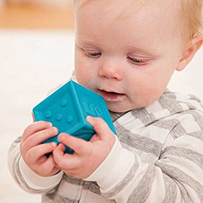 Infantino Squeeze and Stack Block Set: Toys & Games