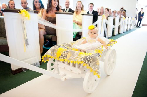 Medium Flower Girl Pumpkin Wagon - Gloss White by Mini Wedding Wagons