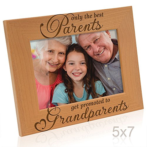 Kate Posh - Only the Best Parents get Promoted to Grandparents Picture Frame - Engraved Natural Wood Photo Frame - Grandma Gifts, Grandpa Gifts, Christmas Gifts for Grandparents (5x7-Horizontal)