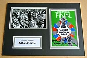 Arthur ALBISTON autógrafo firmado a mano Sportagraphs A4foto de Manchester Utd regalo y COA