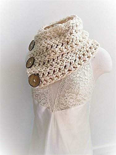 Three Button Chunky Boston Harbor Scarf Cream