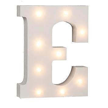 Ein Beleuchteter Holz-Buchstabe I mit 4 LED ca 16 cm