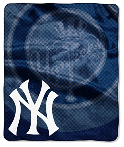 MLB New York Yankees Retro Plush Raschel Throw, 50