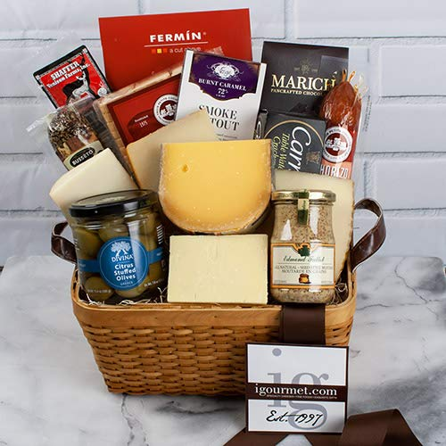 - Everything for Him Premier Gift Basket (8.6 pound)