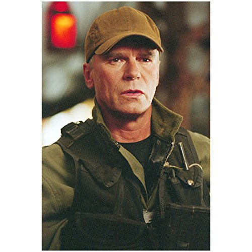 Richard Dean Anderson 8 inch by 10 inch PHOTOGRAPH Stargate SG-1 Stargate: Continuum Stargate: The Ark of Truth in from Chest Up Handsome in Brown Hat & Mission Gear kn ()