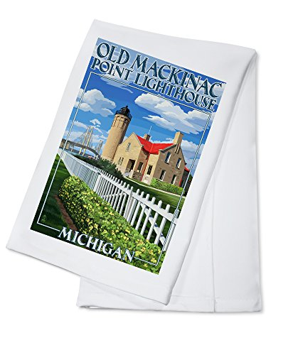 (Mackinac Island, Michigan - Old Mackinac Lighthouse (100% Cotton Kitchen Towel) )