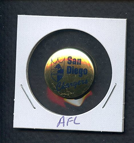 (1969 Lar Lu NFL Pins San Diego Chargers NR-MT 343817 Kit Young Cards)