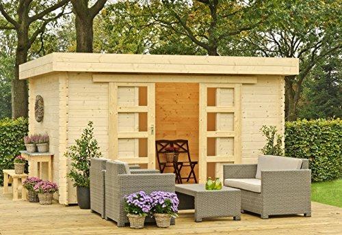 Outdoor Gartenhaus / Flachdachhaus Xavier 300 Sockelmaß: 380 x 300 cm Außenmaß: 425 x 345 cm Wandstärke: 28 mm Rauminhalt: 26,20 cbm EPDM - Dacheindeckung: Inklusive Dachrinnenset: Inklusive Ausführung: naturbelassen Material: Massivholz