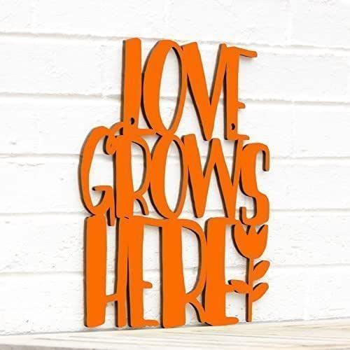 LOVE GROWS HERE Home /& Garden Wall Art Plaque Sign Brand New
