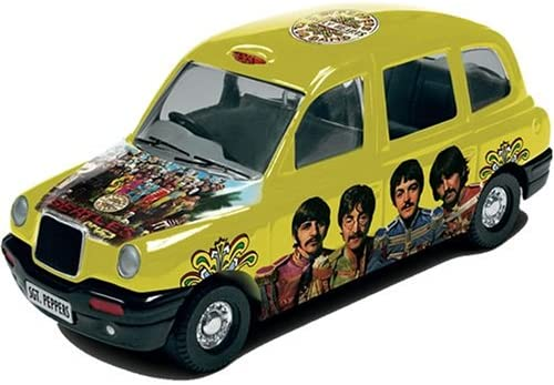 die Beatles Album Cover 1:36 Scale Die-Cast Collectable Taxi mit Sgt. Peppers Album Cover Art