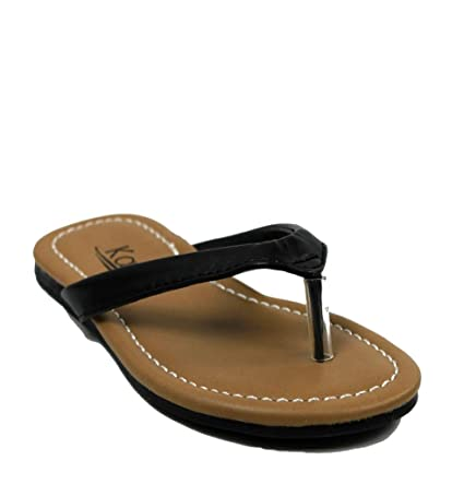 Kali Footwear Girl's Cocoa-Jr. Flip Flop Flat Sandal 7 - Black