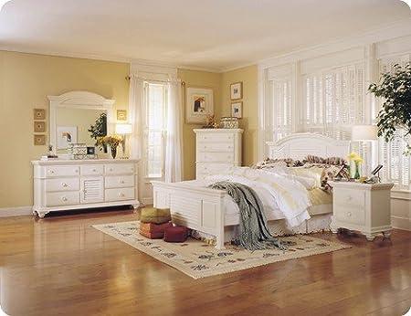 Amazon.com: Pleasant Isle Queen Panel Bedroom Set by ...