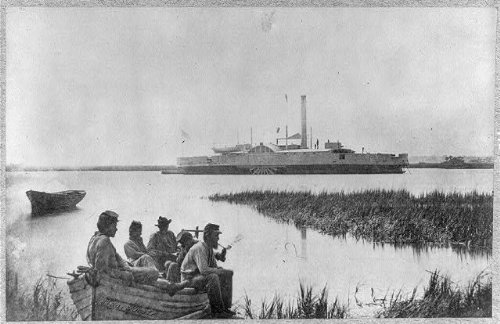 HistoricalFindings Photo: Gunboat COMMORDORE MCDONOUGH,Union soldiers in rowboat,Hilton ()