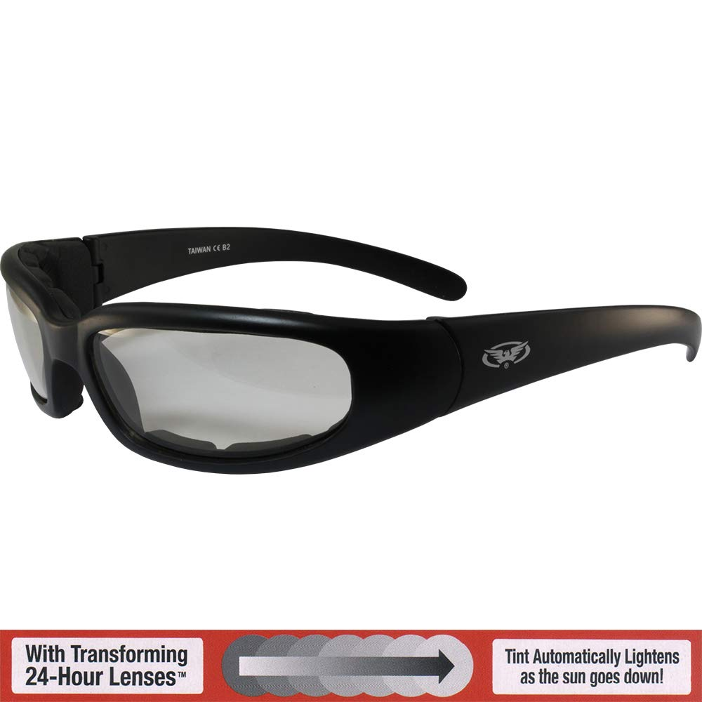 ad6921a9e40e6 Amazon.com  Chicago Photochromic Light Adjusting Padded Motorcycle  Sunglasses By Global Vision  Automotive