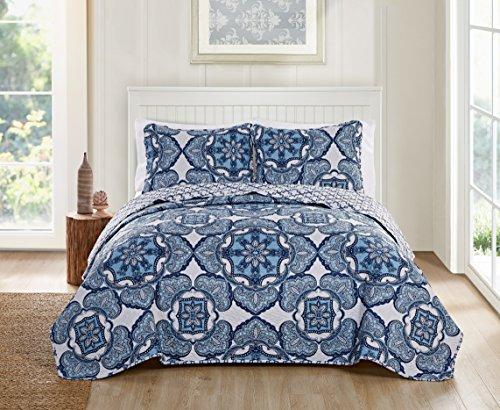 - Victoria Classics Bradshaw 3 Piece Reversible Bedding Quilt Set, Full/Queen, Navy