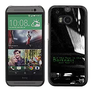Caucho caso de Shell duro de la cubierta de accesorios de protección BY RAYDREAMMM - HTC One M8 - Darkness Black White Fear Inspiring