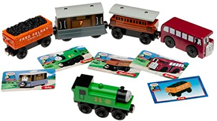 Amazoncom Thomas Friends Wooden Railway Sodor Gift Pack With