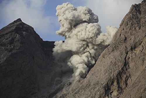 Posterazzi November 27 2012-Ash Cloud from Explosive strombolian Eruption Rising from Active Crater of Batu Tara Volcano Komba Island Indonesia Poster Print, ((34 x 22)