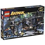 LEGO - Lego Batman 7783 The Batcave: The Penguin and Mr Freeze's Invasion