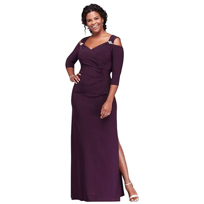 f95c49f210e David s Bridal Cold Shoulder Plus Size Mother of Bride Groom Gown with  Crystal Accents Style.  Amazon.ca  Clothing   Accessories