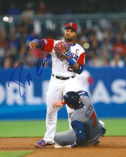 Robinson Cano Signed Photo - 8x10 WORLD CLASSIC COA - Autographed MLB Photos