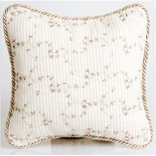 Isabella Pillow Style: Rosebud by Glenna Jean