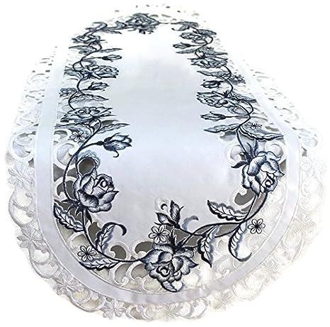 Amazon.com: Camino de mesa con bordados azul rosas sobre ...