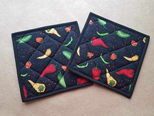 Chili Pepper Potholders Set of 2 Southwestern Kitchen Linens Chili Peppers Home Decor Quilted Hot Pads Insulated Trivets Tex Mex Kitchen Decor Spicy Themed Kitchen Linens Handmade Gifts Under 20