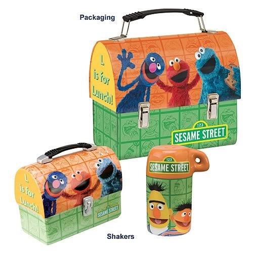 (Sesame Street Lunch Box Salt and Pepper Shaker Set)