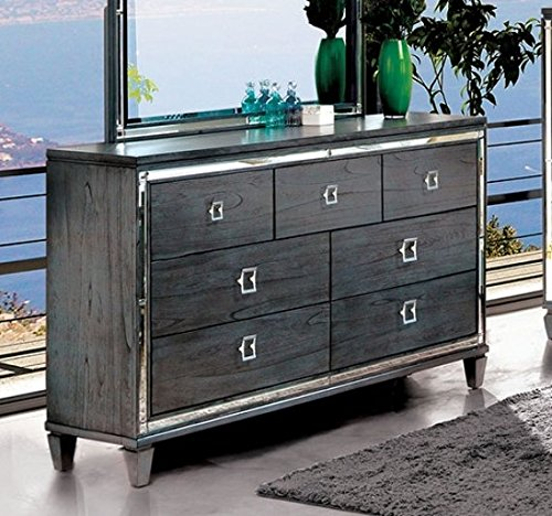 Amazoncom Clover Gray Solid Wood Dresser Wmirror Trim By