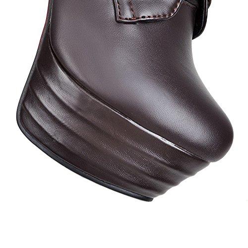 AllhqFashion Damen Hoher Absatz Rein Rund Zehe Blend-Materialien Schnüren Stiefel Braun