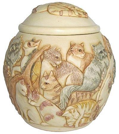 """Harmony Kingdom - Harmony Ball - Jardinia """"Felinicity"""" Cat Pet Cremation Urn"""