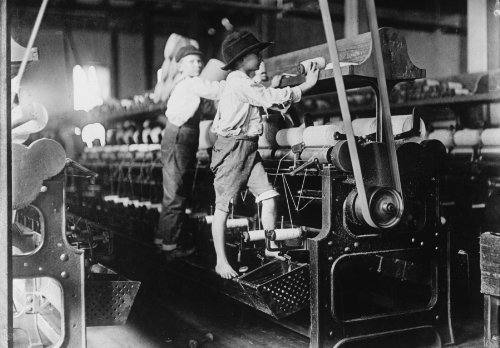 1909 child labor photo 488 Macon, Ga. Lewis W. Hine 1-19-1909. Bibb Mill No. b8