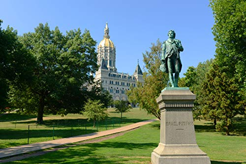 Hartford, Connecticut - State Capitol Building with Statue of Israel Putnam - Photography A-94725 (16x24 SIGNED Print Master Giclee Print w/Certificate of Authenticity - Wall Decor Travel Poster)