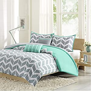 Intelligent Design -Nadia -All Seasons Comforter Set -4 Piece - Teal - Geometric Pattern - Twin/TwinXL Size - Includes 1 Comforter, 1 Sham, 2 Decorative Pillows - Great For Dorm Room And Guest Room