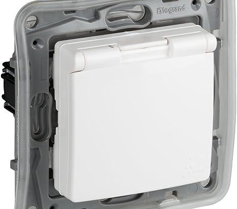 legrand 397802 Base de enchufe protegida, 230 V, Blanco: Amazon.es ...