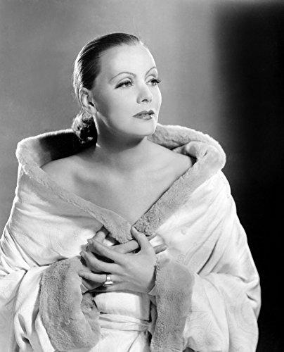 - Posterazzi EVCPBDGRGAEC037HLARGE Mata Hari Greta Garbo Portrait By Clarence Sinclair Bull 1931 Photo Print 16 x 20