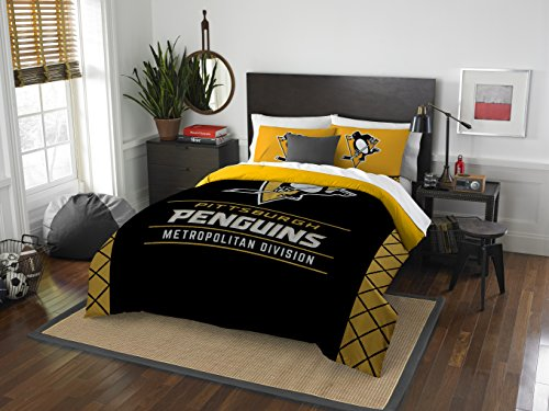 The Northwest Company Officially Licensed NHL Pittsburgh Penguins Draft Full/Queen Comforter and 2 Sham Set, Black/Yellow ()