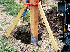 Wooden Posts Fence (Cepco Tool PPK-1 Fence Post Pod Kit)