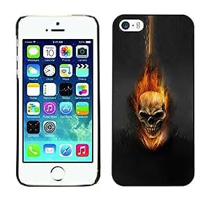 YiPhone /// Prima de resorte delgada de la cubierta del caso de Shell Armor - Dark Flam Skull - Apple iPhone 5 / 5S