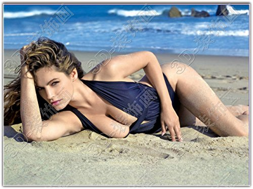 Beach sexy babes