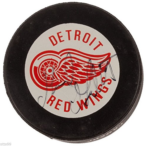 - GERARD GALLANT SIGNED DETROIT RED WINGS OFFICIAL INGLASCO HOCKEY PUCK TAMPA BAY