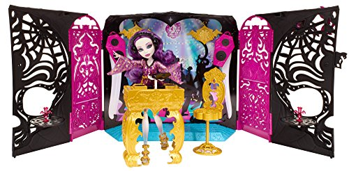 Monster High 13 Wishes Party Lounge & Spectra Vondergeist Doll (Monster High Halloween Wolf Doll)