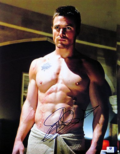 Stephen Amell Signed Autographed 11X14 Photo Arrow Sexy Abs Scars GV816438
