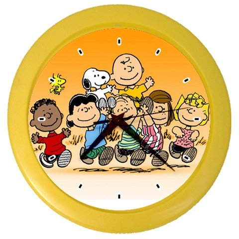Linus Costume Peanuts (Snoopy Peanuts Gang Wall Clock Yellow Color For Gifts Bedroom Decor)