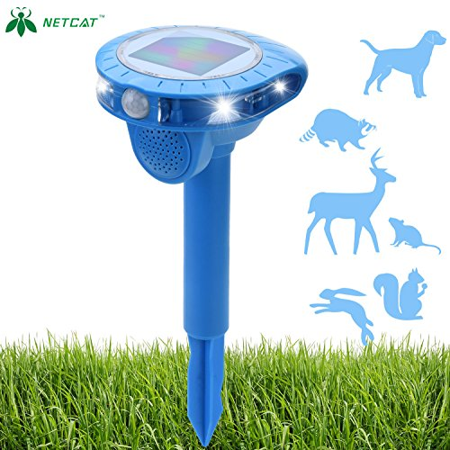 Ultrasonic Animal Repeller Cat Dog squirrel Repeller Outdoor Sonic Animal Repeller Fox Deer Rodent Pest Repellent with waterproof IP44 PIR Sensor for Farm Yard Garden (1 Pack)