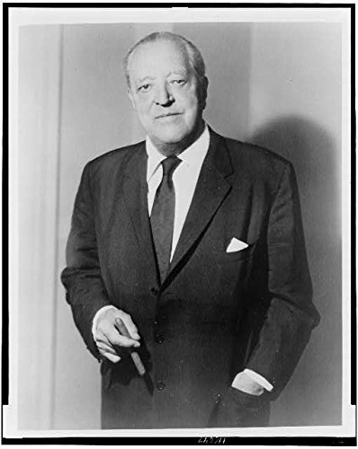 Photo: Ludwig Mies van der Rohe,Maria Ludwig Michael Mies,German-American Architect (Architect Denim)