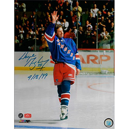 Wayne Gretzky Autographed New York Rangers 11X14 Photo - Last Game - Waving Goodbye (with ()