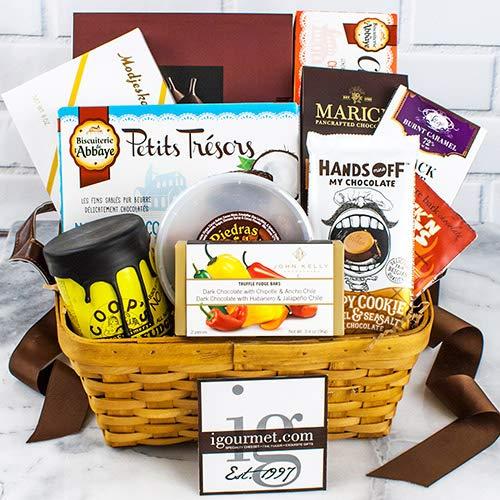 (Chocolate Lover's Premier Gift Basket (3.3 pound))