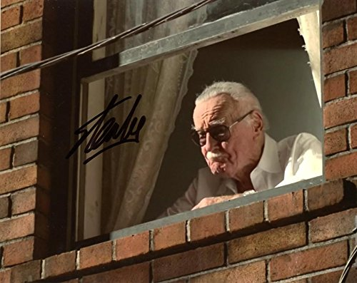 Stan Lee MARVEL In Person Autographed Photo